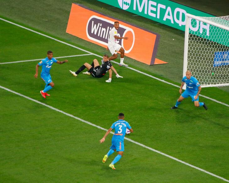 «Зенит» возвращает Крицюка в РПЛ. «Жил Висенте» в июне подписал его бесплатно, а теперь получит рекордные для клуба 2 млн