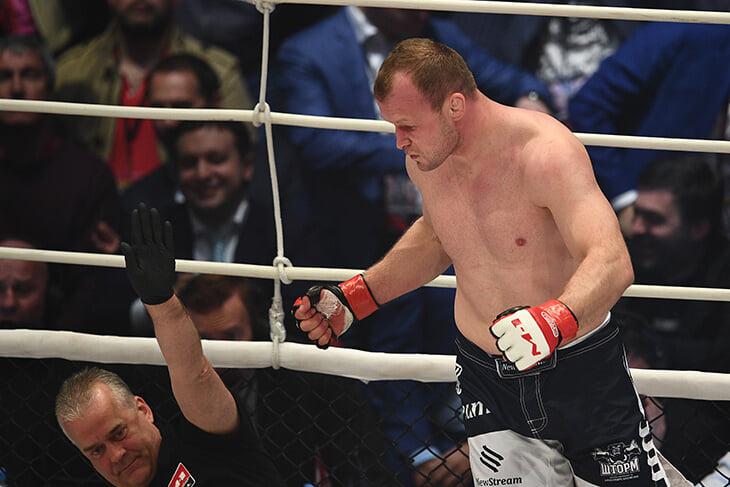 Шлеменко подерется с бойцом, который недавно вырубал Тиаго Сантоса, а в UFC проигрывал только топам