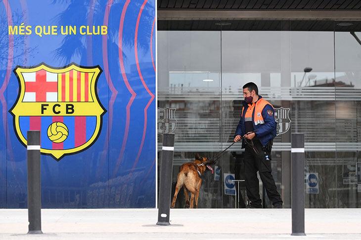 Бартомеу задержан, полиция обыскивает офисы «Барселоны». Все из-за той истории с соцсетями и подозрений в коррупции