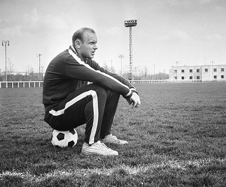 «Наш спорт все еще работает по системе, которую заложил Сталин». Интервью с основателем Sports.ru: изучает историю, общается с Абрамовичем, критикует «Колыму» Дудя