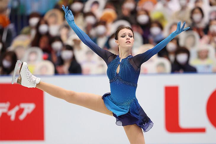 Сезон-мечта Анны Щербаковой: выиграла все старты – а как соперничать с Валиевой перед Олимпиадой?