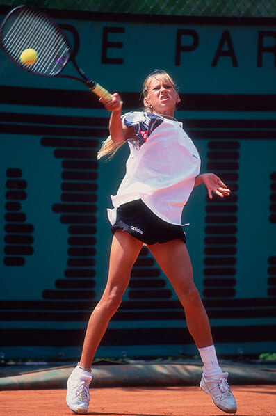 Adidas платил Курниковой за каждое фото в газетах, сделал ее Мэрилин Монро и раздал 150 тысяч кусков ее платья
