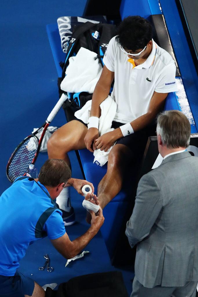 Мозоли преследуют теннисистов: Сафин из-за них проигрывал на «Ролан Гаррос», перемотанные пальцы –знак Надаля