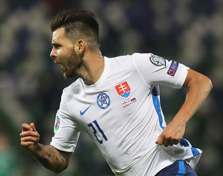 Три мегаразвязки отбора на Евро: Шотландия прорвалась по пенальти, венгры перевернули на 90+, словаков экс-оренбуржец вывел в овертайме