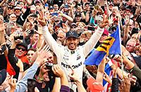 Хэмилтон снова чемпион «Формулы-1». Заслуженно?