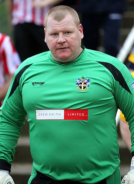 Толстый футболист в англии