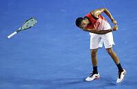 Теннис – самый одинокий вид спорта, на игроков безумное давление. Поэтому в нем много истерик и психов