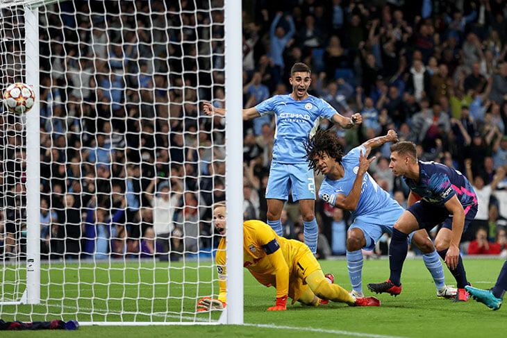 Драма Натана Аке: забил дебютный гол в Лиге чемпионов, но через несколько минут потерял отца