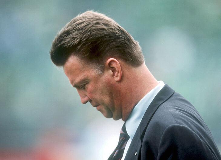 Похоже, Ван Гал вернется в сборную Нидерландов. Он не тренировал уже 5 лет, потому что обещал жене быть рядом