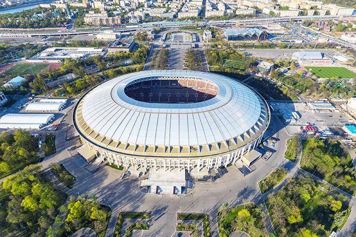 «Стадион Галицкого не устареет, он вечной формы». Звездный архитектор, который проектировал «Краснодар», «Лужники» и «ВТБ Арену»