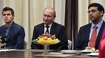 Владимир Путин воздал должное чемпионскому мату // Как шахматные короли приняли президента РФ