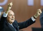 Президент ФИФА Блаттер назван швейцарцем года по версии журнала Weltwoche
