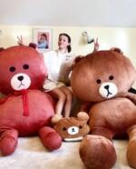"Анна Щербакова on Instagram: ""История одного медведя, который обрёл дом😂🐻 @teamshcherbakova♥️ P.S. Кто нашёл на фото Шайни?😈😼"""