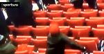 Маленький болельщик Ливерпуля «отжигает»
