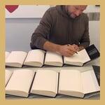 """Strawberry Publishing on Instagram: """"I dag har @asvindal signert ca 4000 bøker som skal sendes ut til alle som har forhåndsbestilt «Større enn meg»! Spørs om det blir enda…"""""""