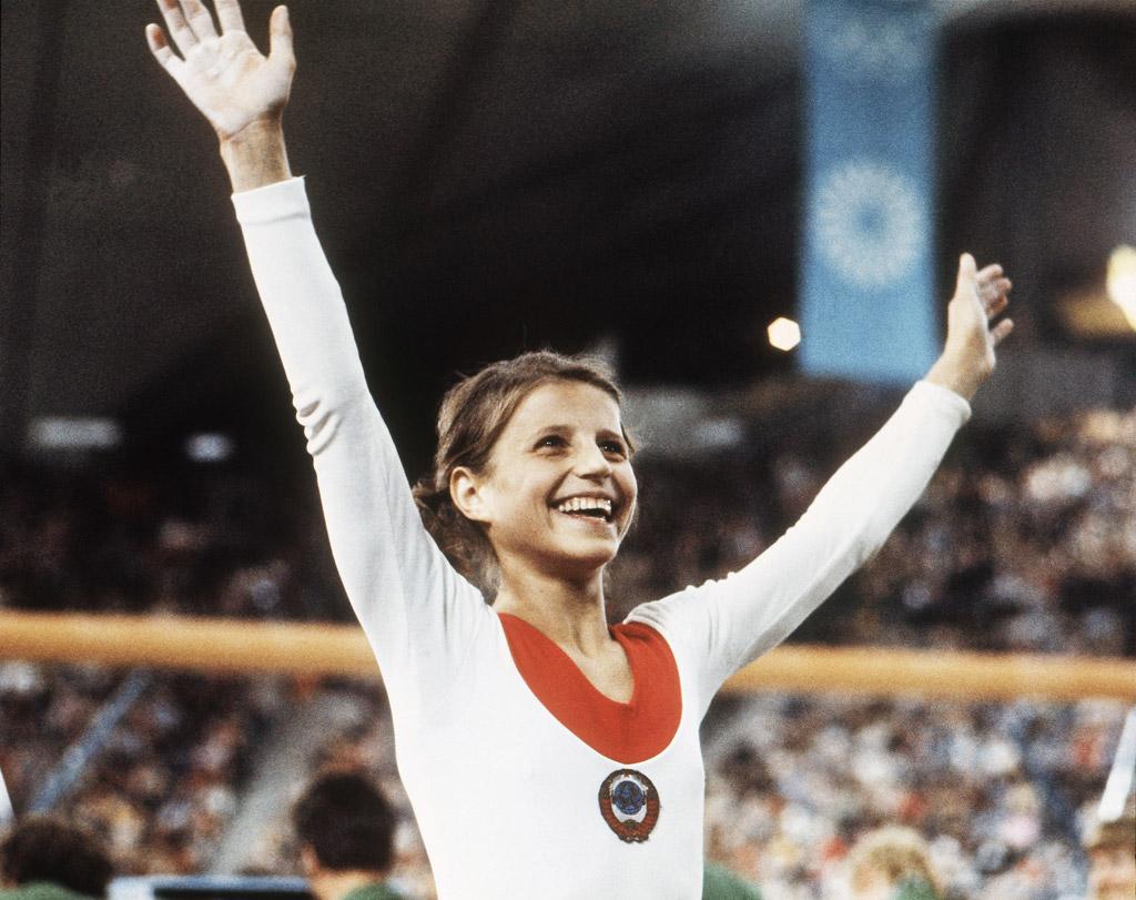 Легендарная гимнастка корбут продала олимпийские медали