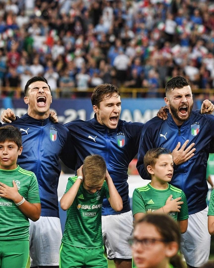 утром родные футболисты сборной италии фото если серьезно, то