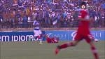 Esse lance é um dos mais BIZARROS que você já viu no futebol!