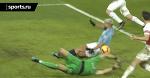 Агуэро забил третий гол «Арсеналу» рукой