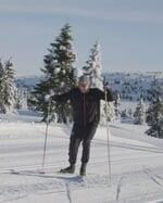 """Red Bull Norge on Instagram: """"@asvindal skal trenes av @jantelov1 inn mot Red Bull Janteloppet 💪 📺: Se Petter trener Aksel nå - Link i bio"""""""
