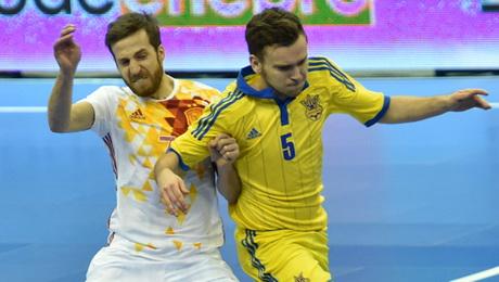 Украина уступила испанцам, ведя 2:0 за три минуты до конца