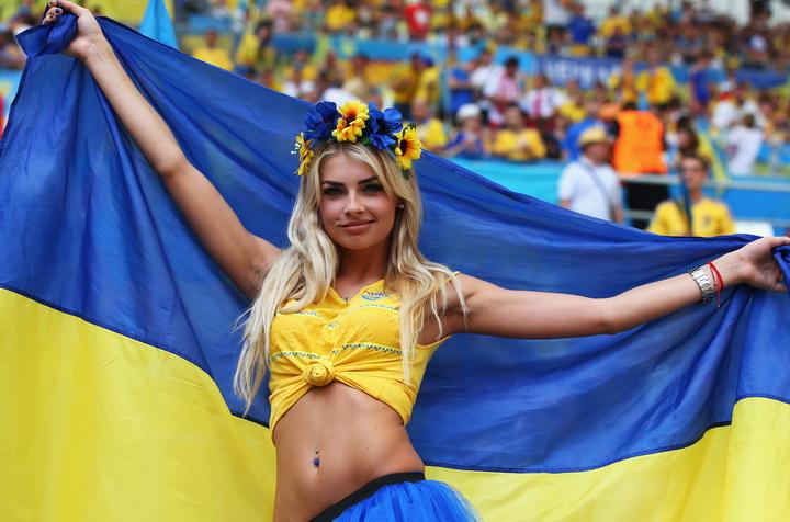 """Осуждены двое россиян, которые с криками """"Слава Украине!"""" избили человека в футболке """"Вежливые люди"""" - Цензор.НЕТ 308"""