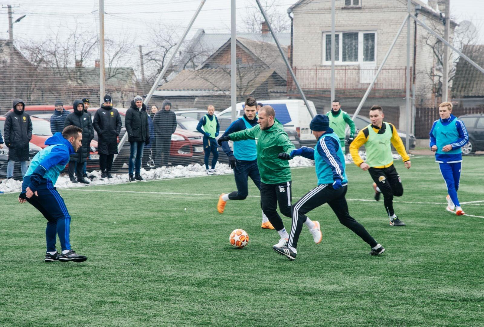 Алиев сможет сыграть против манчестер сити