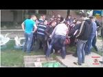 Стаханов, Луганская обл. 3 мая 2014 г. Человека линчевали за то что он украинец!